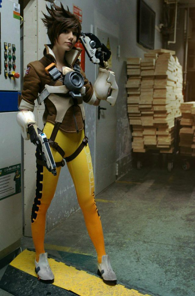 Overwatch - Tracer Cosplay by Hoteshi